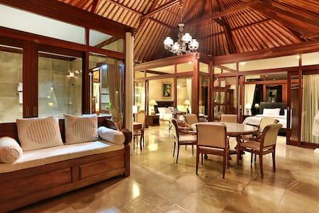 Beautiful 2 bedrooms pavilion