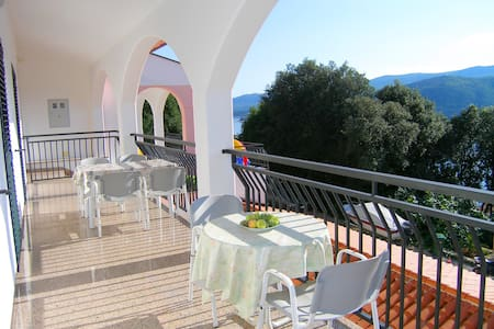 Apartments with gorgeous Seaview A6 - Rabac - Leilighet