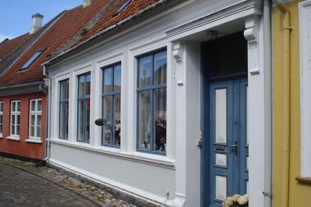 Lejlighed i Ærøskøbing tæt på færgen. - Apartamento