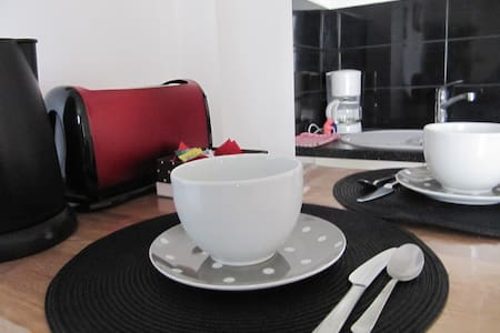 Cosy 1 bed apartmt at Moulin Rouge