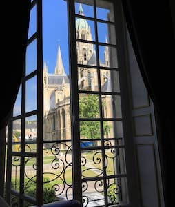 Room with unique views of the cathedral !!! - Bayeux - Ev