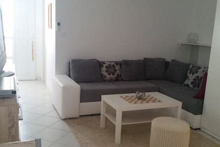 New sea-side apartment, 30m from the beach - Mandre - Apartment