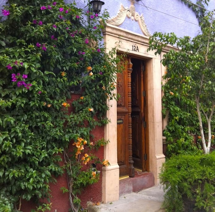 Front door of Casa Lenita.