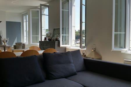 Duplex très lumineux avec vue sur le port - Apartment
