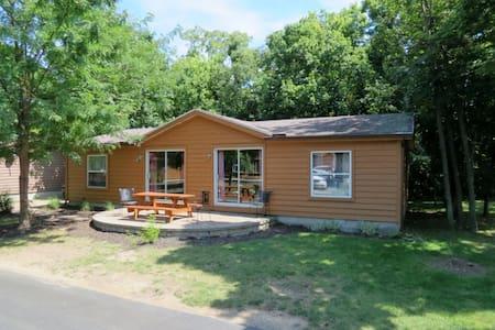 Put-In-Bay Island Club House #106 - Put-in-Bay - Ev