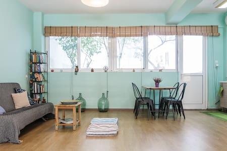 Garden Studio in downtown Gazi - Athina