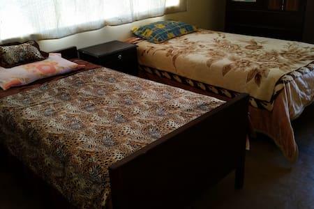 Cozy & Spacious Apart w/Double Room