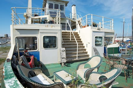 Ever wanted to stay on a ferry? - Shoreham-by-Sea - Vene