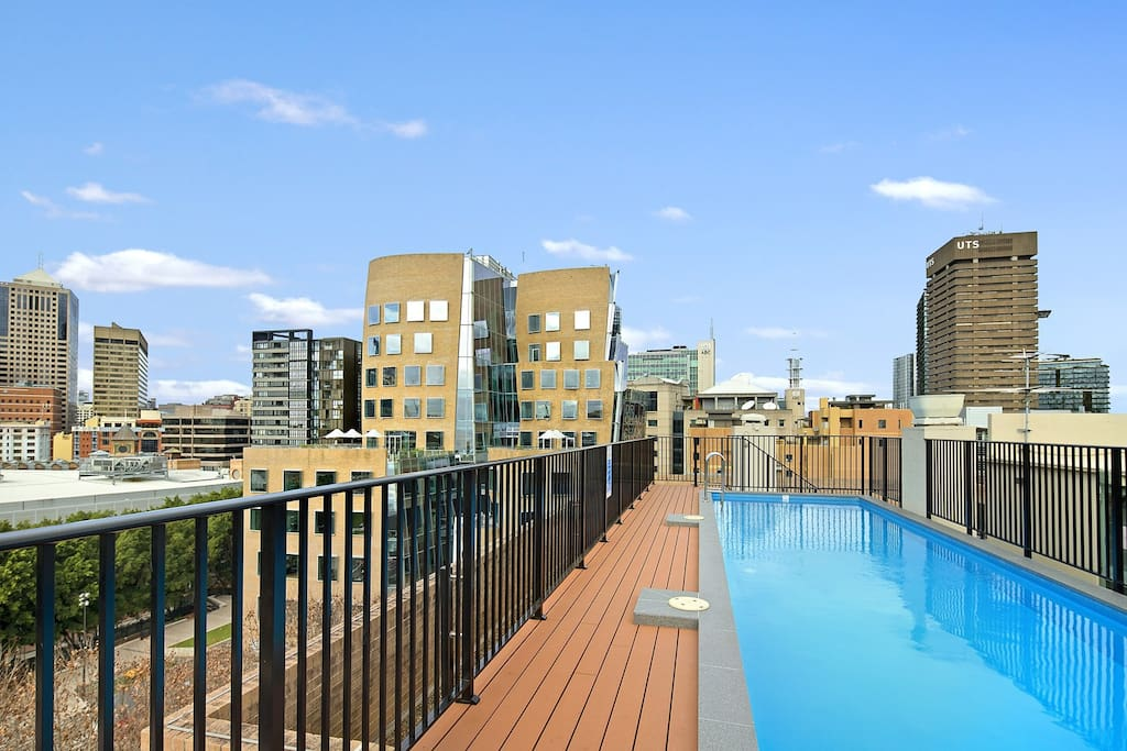 Beautiful Rooftop Swimming Pool with views to city