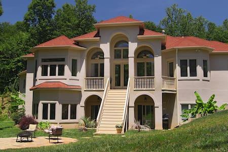 The Villa at Waters Edge - Villa