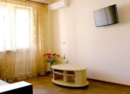 Ambiente Crema - Heroev Truda str. - Lägenhet