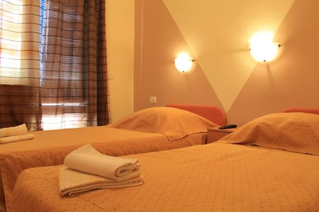 Room with bathroom,terrace,B&B,no`9 - Pula - Bed & Breakfast