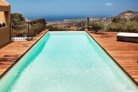Gorgeous villa w/ infinity pool - Cateri - Villa