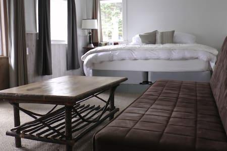 Cliffside Inn:  The Annex Suite - Szoba reggelivel