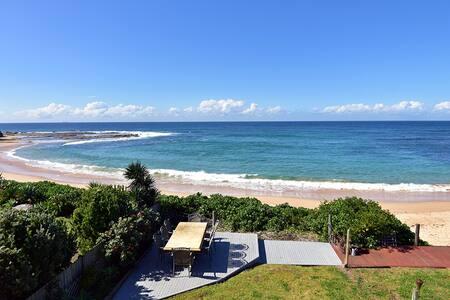 Azure Blue Bay Beachfront - Townhouse