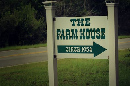 The Farm House - Altha - Casa