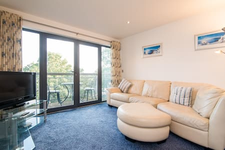 Super 2 bed East Didsbury Apartment - Manchester