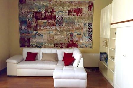 loft parquet - soffitto ligneo - soppalco x letto - Lägenhet
