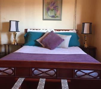 Corrales - Cozy bedroom-great views - Corrales - Loft