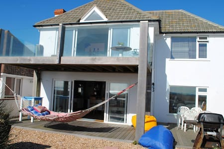 Amazing St Hermans Caravan Estate Hayling Island Po11