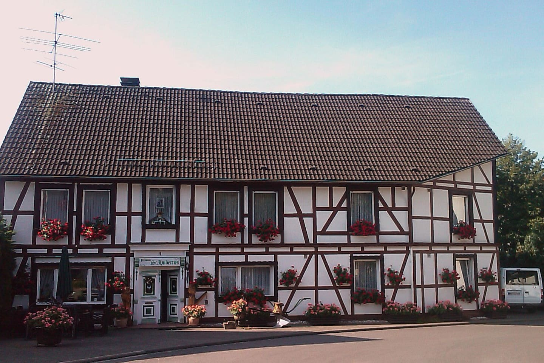Groepsaccommodatie 15 25p   villa's te huur in medebach ...