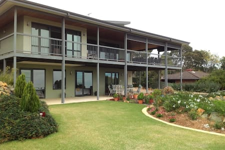 Fabulous B & B Perth Hills WA (LR) - Bed & Breakfast