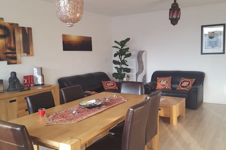 Spacious room in center of Breda - Huoneisto