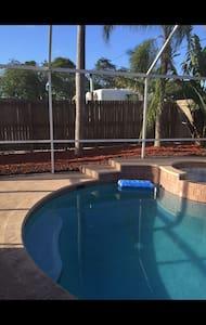 Pompano Beach Guest Room (pool)