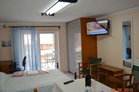 Δωμάτια Χαλκίδα Νέα Αρτάκη Εύβοια - Apartemen
