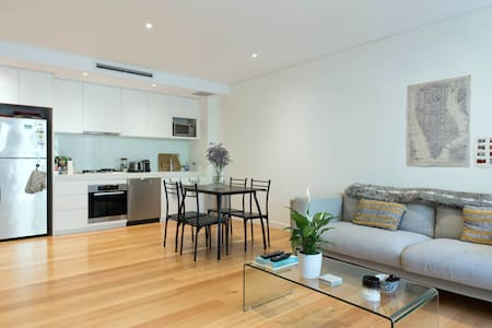 Bondi Beach Home - 5 mins to Surf - Bondi Beach - Appartamento