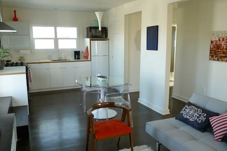 """The Art Loft"" 1BD in Culver City - Διαμέρισμα"