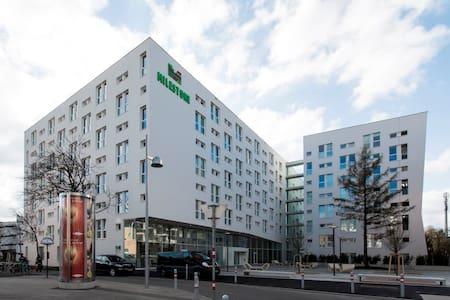 Modern Studio near Prater, 2min to Underground - Apartment