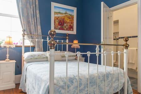 Highfield House - Triple room - Trim