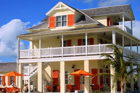 The Sandpiper Inn Boutique hotel - Schoonr Bay  Village