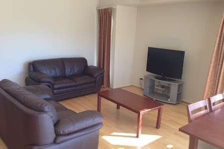 Self contained 2 Bedroom apartment - Bunbury