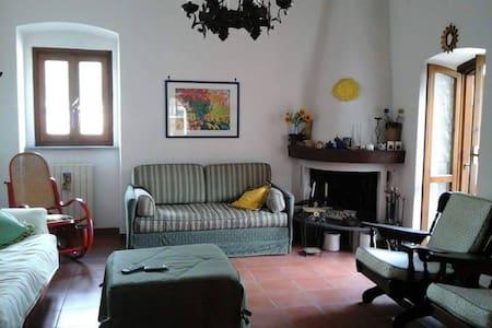 Villa 2 piani Itri centro - Haus