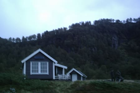 Mountain Cabin (no power or water) - Jøsenfjorden - 小木屋