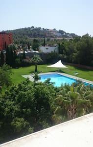 Habitación con aseo(2p)15m Ibiza,disco y calas - Pis