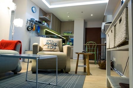 Bright apartment Downtown Jakarta