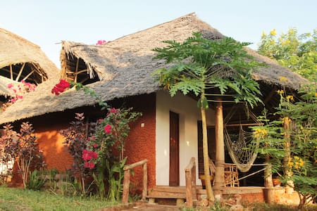 Mabwe Roots ocean view Bungalow 2