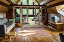 Dachwohnung im Wohnhof