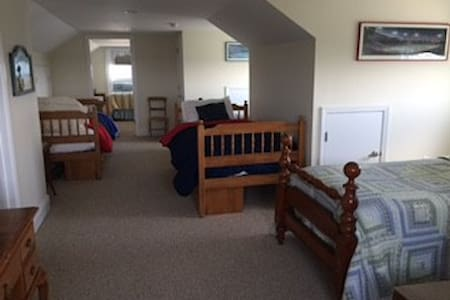 Private 3rd floor Oceanfront suite-WeekdaySpecials - Point Pleasant Beach - House