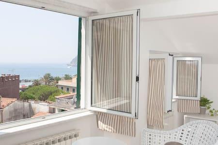 Sunny sea loft, Cinque Terre Region - Appartamento