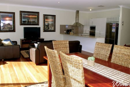 Two Beaches - Boat Harbour - Townhouse