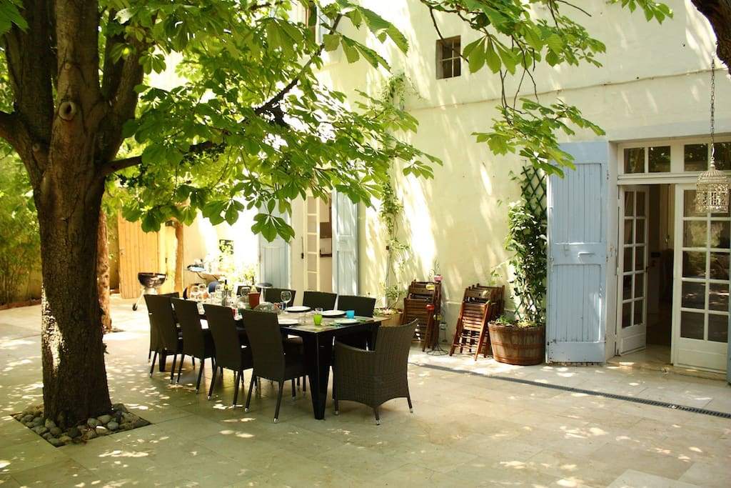 The shaded terrace at lunchtime