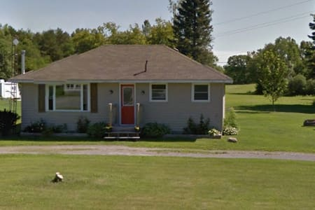 Cute County Cottage - Cherry Valley