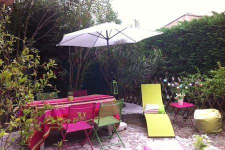 RDC+jardin, piscine et tennis dans jolie residence - Appartement