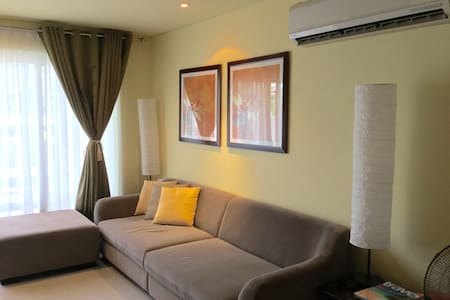 Expat holiday home 2 bedroom loft at Pico de Loro - Nasugbu - Apartamento