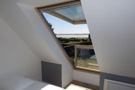 Maison entièrement rénovée, vue mer - Huis