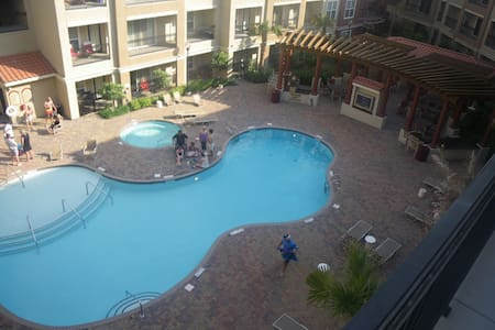 2 BR Condo next to Williams-Brice Stadium - Apartament